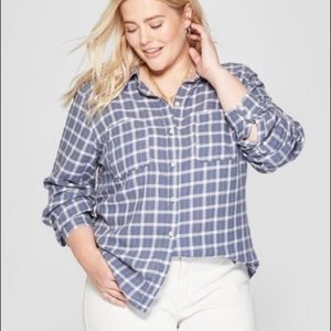 Universal Thread blue and white plaid flannel NWOT